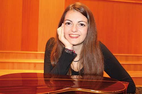 Laura Rausell Saborit, guitarra