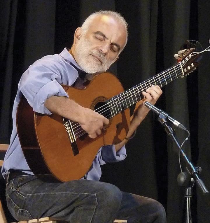 Juan Carlos Perez Brito, guitarra